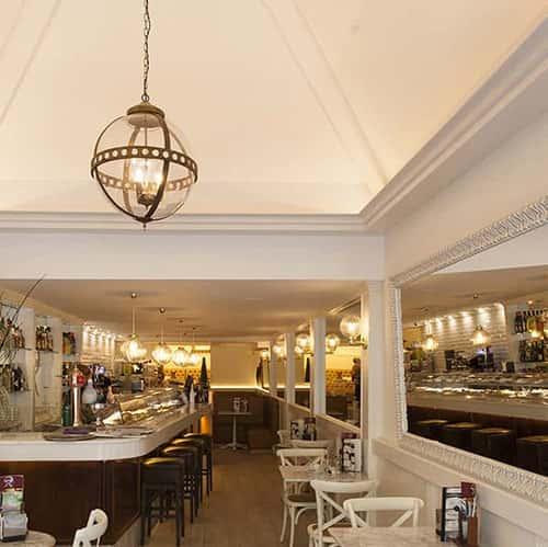 cafeteria-capuchino-tarragona-lamparas-dajor-iluminacion-3_square