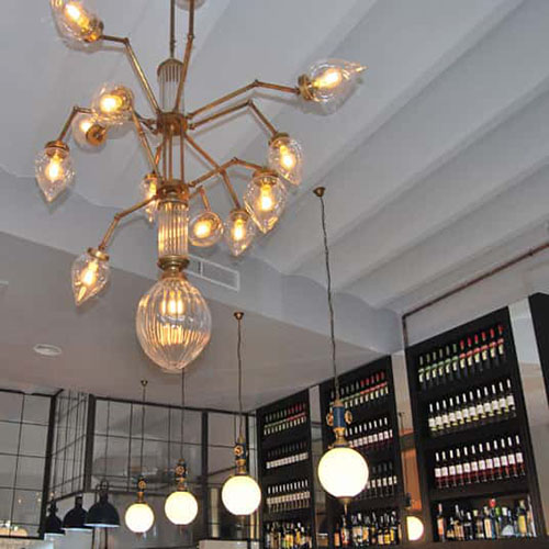 fabricantes-iluminacion-lamparas-espectaculares-cafeteria-tarragona-la-imperial-square