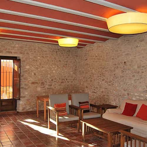fabricantes-iluminacion-pantallas-tela-masia-rural-casa-roja-square