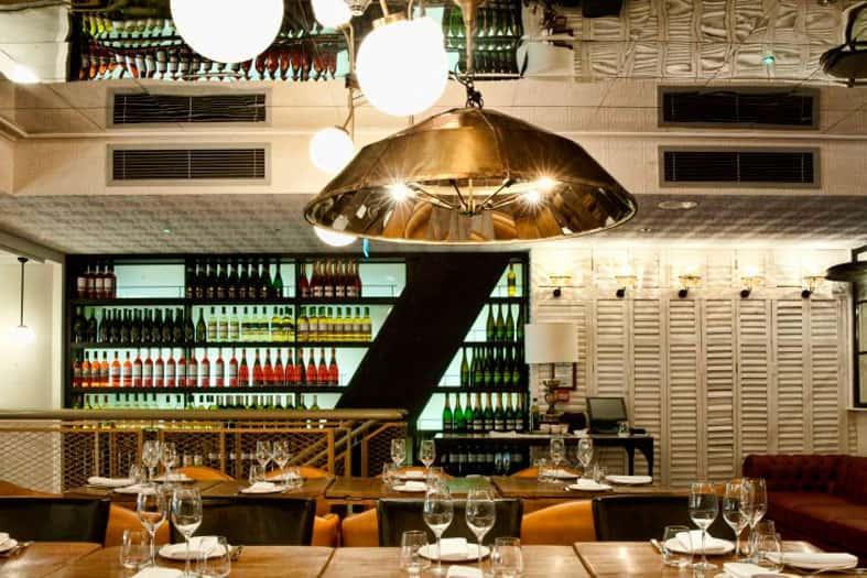 Lámpara colgante de diseño Ibérica Canary Wharf London de Lázaro Rosa-Violán