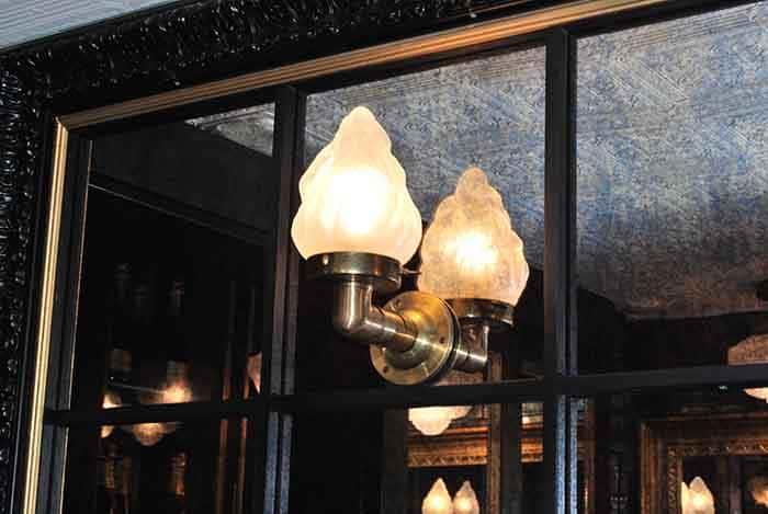 Aplique de pared vintage en Restaurante La Canica de Campo de las Naciones