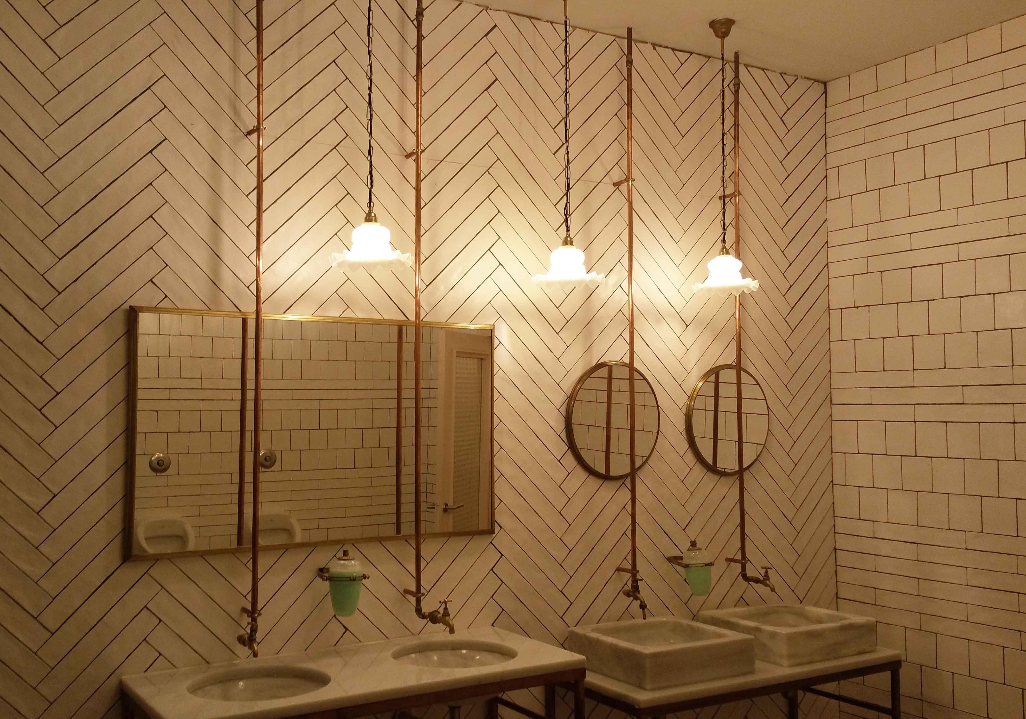 Lámpara de techo de diseño en Restaurante Muerde la Pasta en Mataró y Madrid