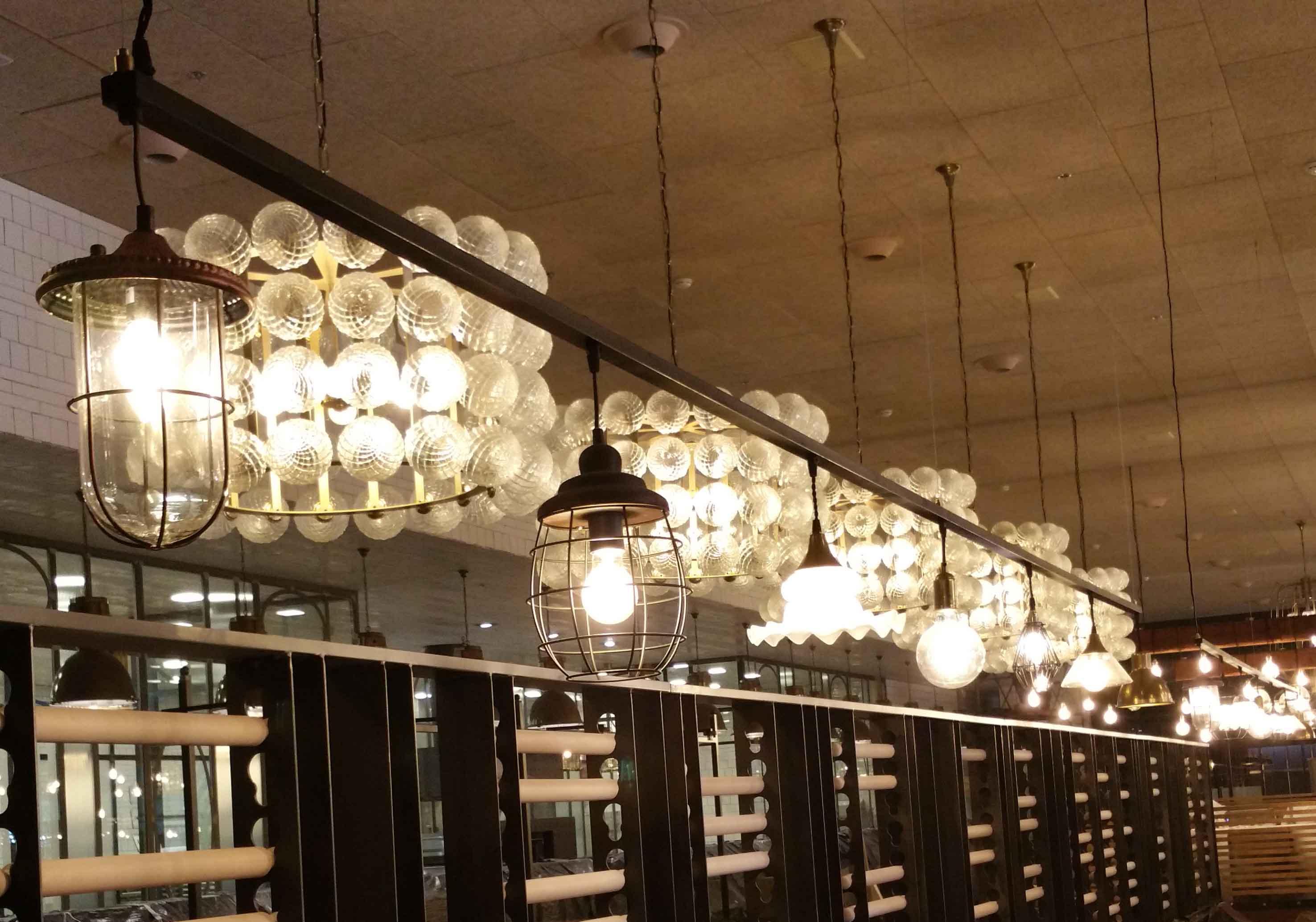 Iluminación en Restaurante Muerde la Pasta en Mataró y Madrid
