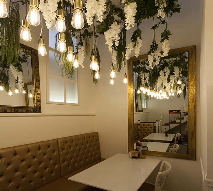 Lámpra de diseño a medida en Cafetería Regine de Tarragona