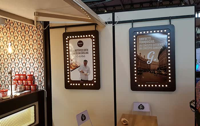 Letreros iluminación en Container Goofretti