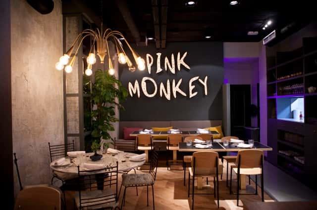 Lámparas de techo en Restaurante Pink Monkey