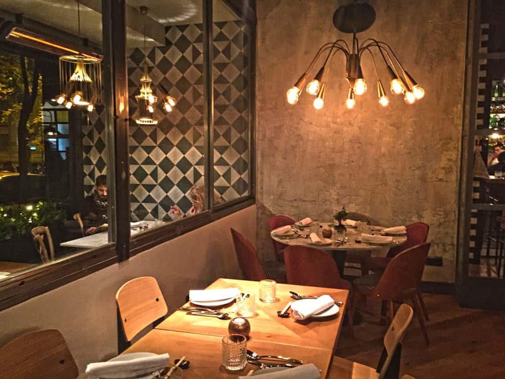 Lámparas de diseño en Restaurante Pink Monkey