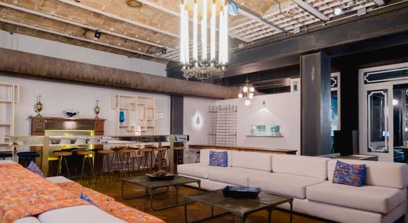 Lámparas de techo colgantes vintage en Restaurante La Paisana de Casa Gracia de Barcelona