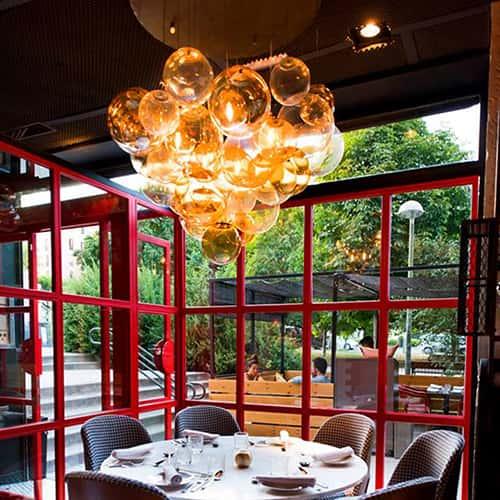Lámpra de diseño en Restaurante Sasha Boom de Madrid