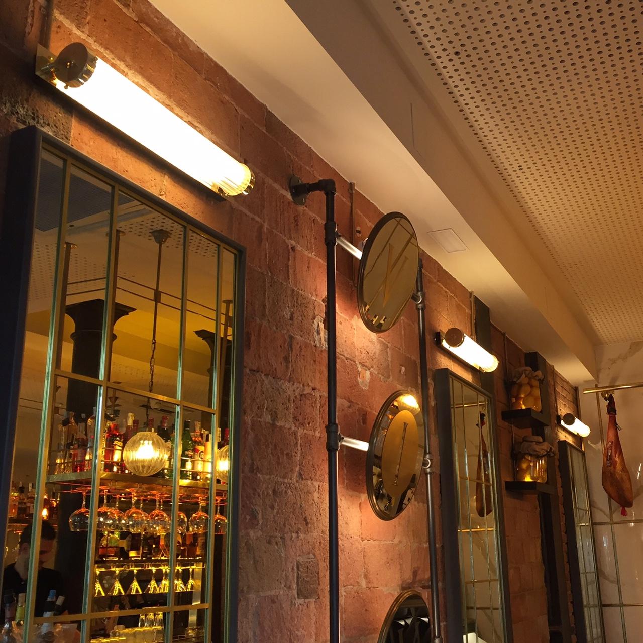 Apliques de pared vintage en Vivo Tapas Restaurant de Barcelona