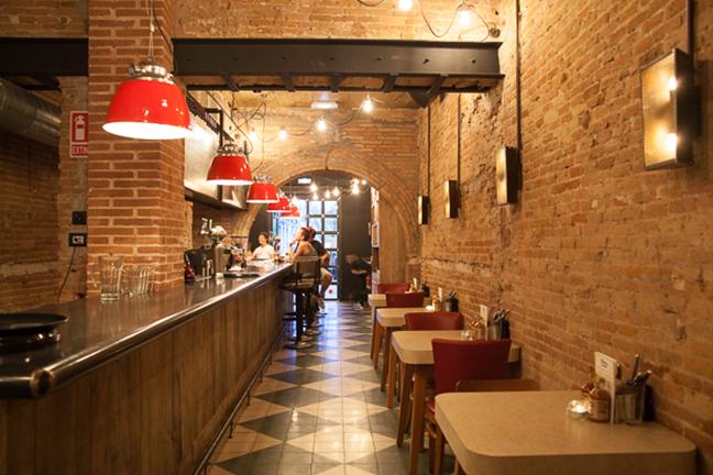 Apliques a medida vintage en Restaurante Chicken Shop de Barcelona