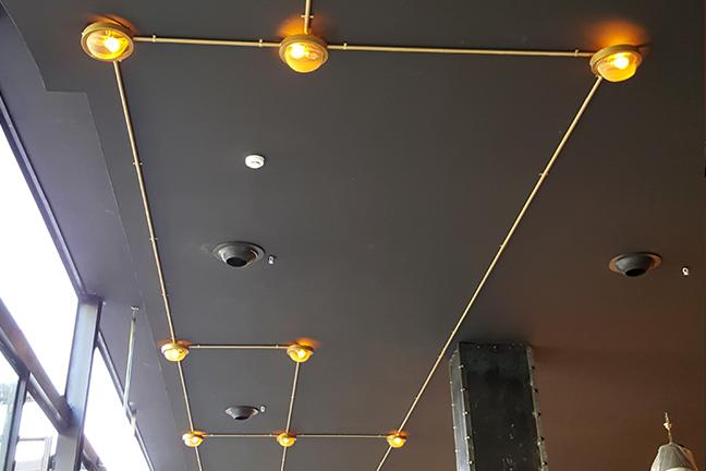Colección 2020 de plafones de techo vintage en Restaurante Muerde la Pasta de Valencia