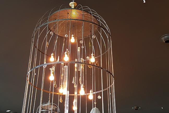 Lámparas colgantes de diseño en Restaurante Muerde la Pasta de Valencia