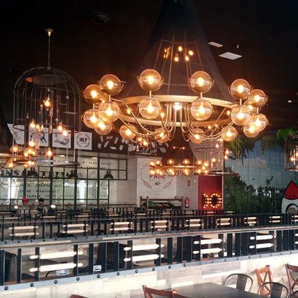 Lámpara de diseño a medida en Restaurante Muerde la Pasta de Valencia
