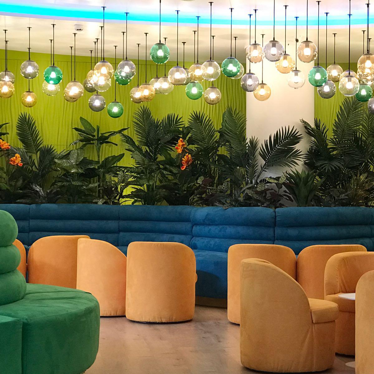 Lámparas vintage para salón en Hotel Villa Mandi Golf & Resort en Tenerife