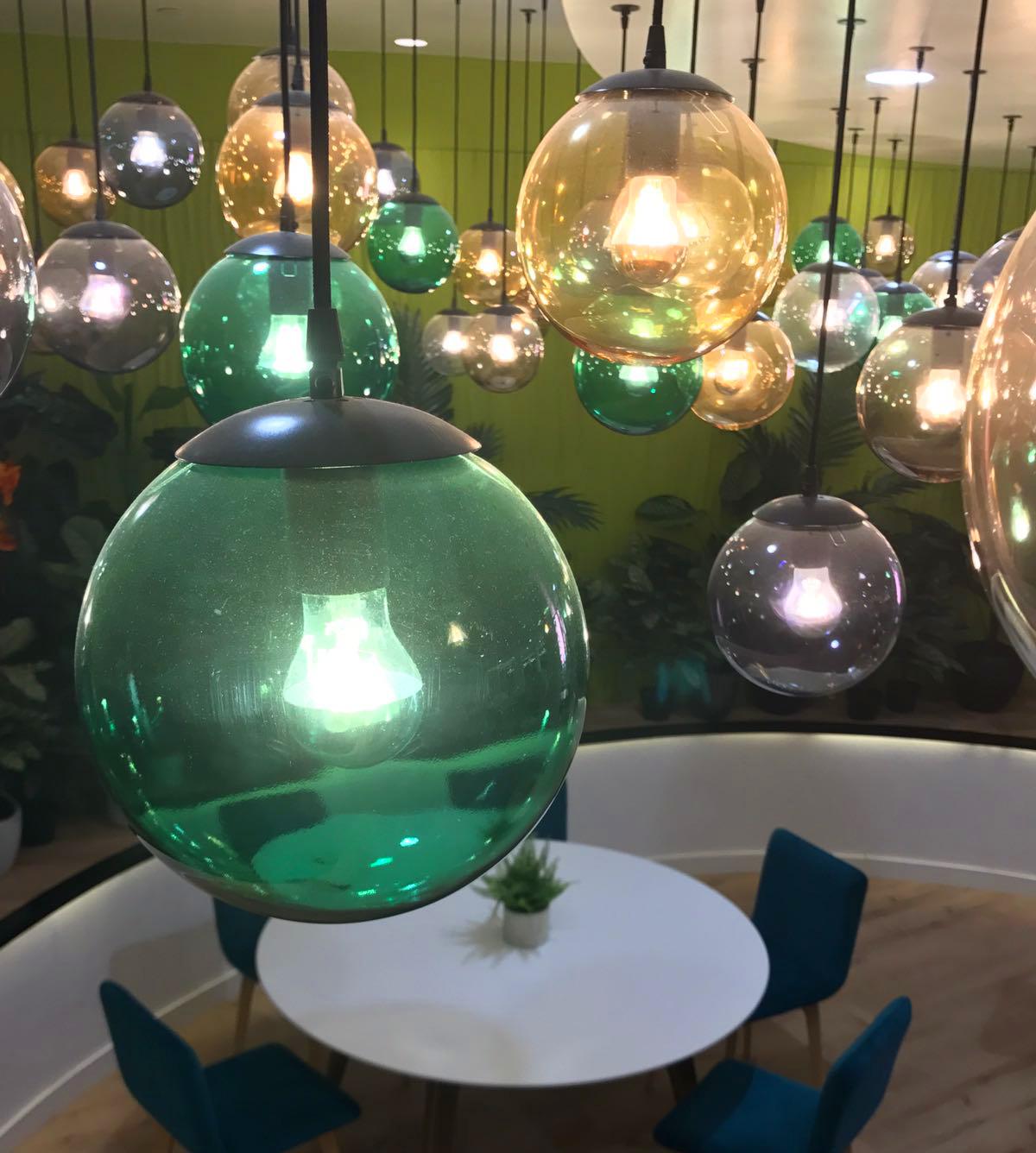 Lámpara de techo para comedor en Hotel Villa Mandi Golf & Resort en Tenerife
