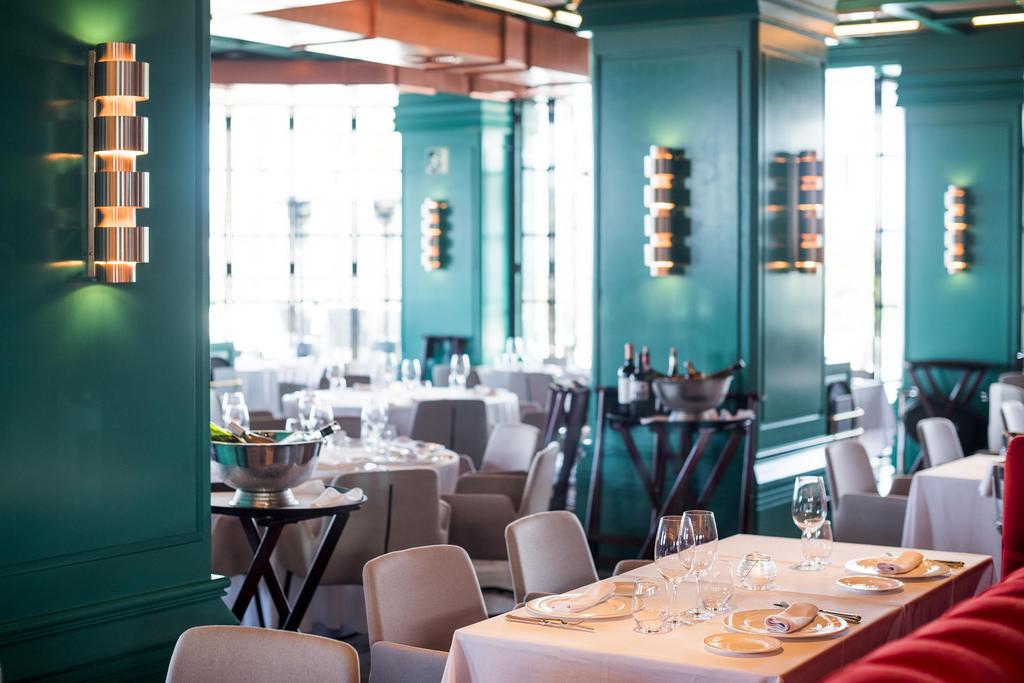 Nueva colección 2020 de apliques de pared vintage en Restaurante Tatel Ibiza