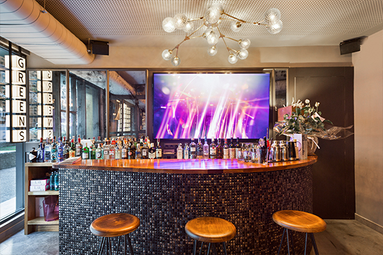 Lámparas colgantes de diseño en Restaurante Green's de Barcelona