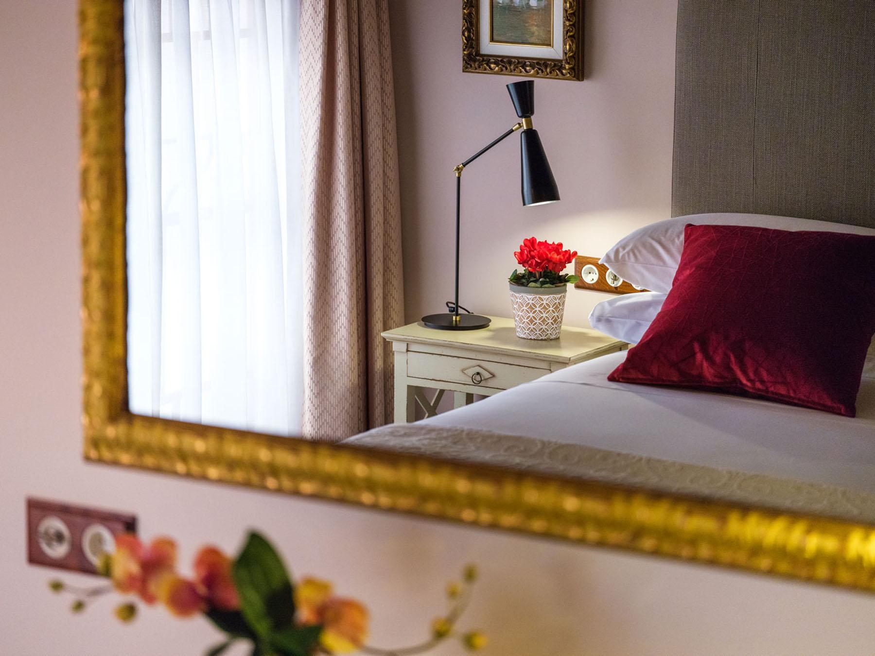 Decoración e interiorismo en hotel gloria de sant jaume