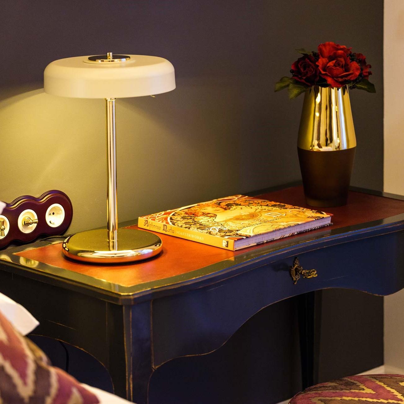 Iluminación y decoración en hotel gloria de sant jaume