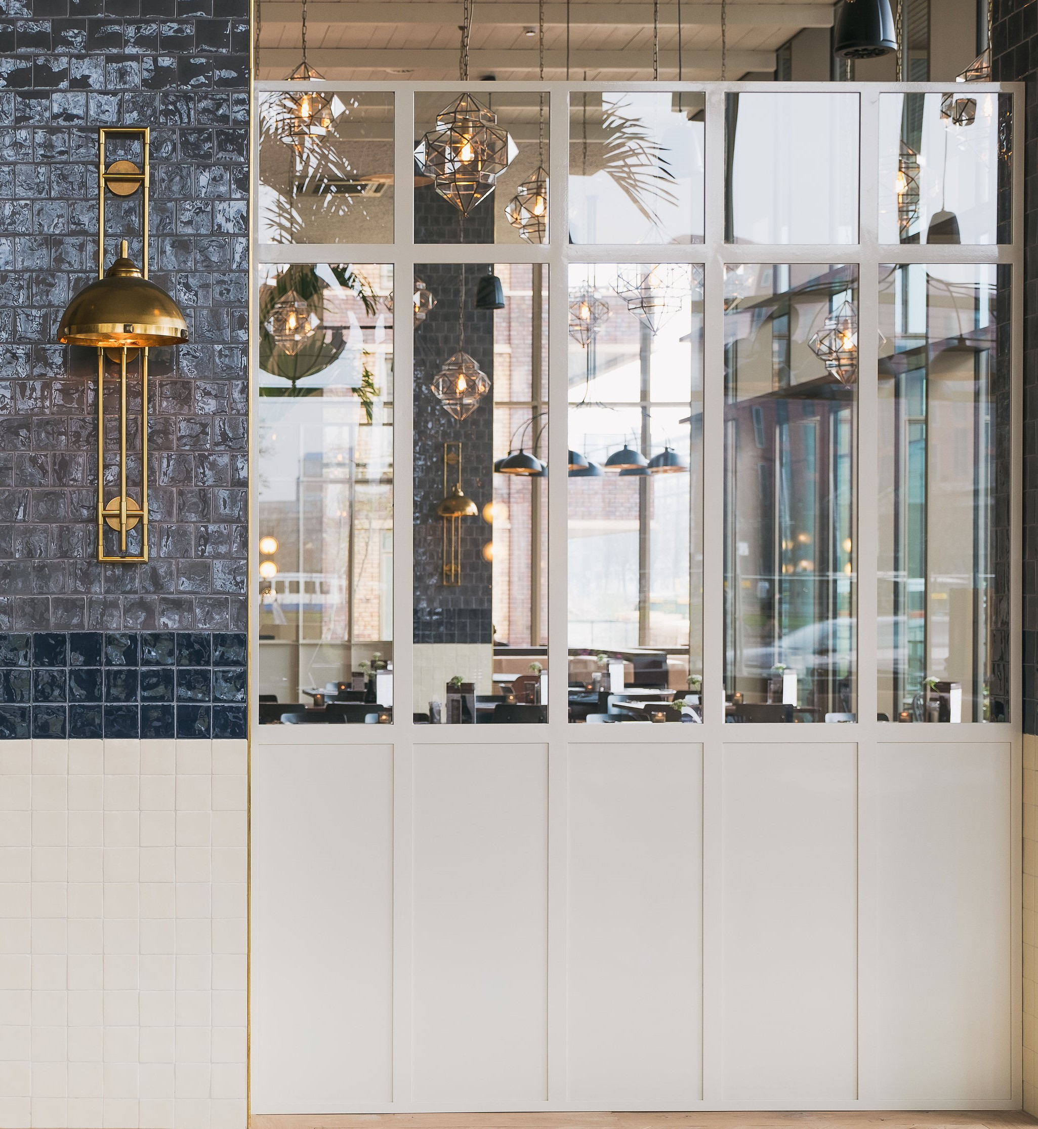 EStudios de diseño de interiores y lámparas a medida en restaurante Loetje